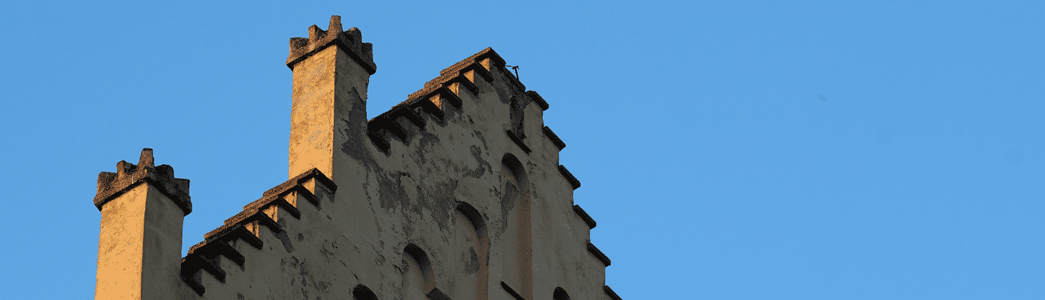Dach, Hausdach, Ziegel, altes Haus
