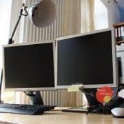 Eine gute Bürobeleuchtung ist wichtig. Tipp zum Bau zeigt Ihnen, wie