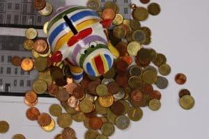 Sparschwein, Geld, Münzen, Kleingeld, Euro, bunt, buntes Sparschwein, Sparen