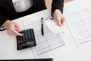 Buchhaltung, Rechungswesen, Taschenrechner, kalkulieren