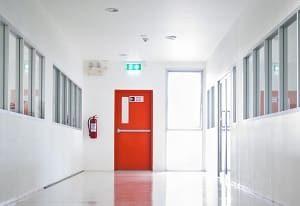 Alles über Kellertüren und ihren Aufbau erfahren Sie bei Tipp zum Bau.