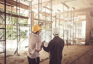 Der SiGeKo ist Experte auf dem Gebiet des Arbeitsschutzes. Tipp zum Bau erklärt, warum Sie davon profitieren.