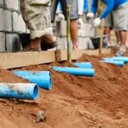 Drainage-Rohre bei Tipp zum Bau