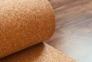 Die Trittschalldämmung ist äußerst nützlich beim Fußboden. Warum erklärt Tipp zum Bau.