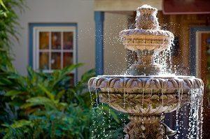 Springbrunnen rund, Wasserspiel, Steinbrunnen, Gartendekoration