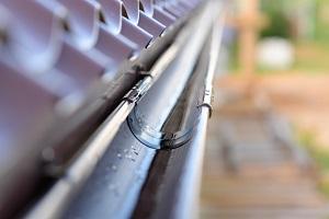 Tipp zum Bau erklärt Ihnen die Funktionsweise der Dachentwässerung.