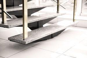 Bei Tipp zum Bau erfahren Sie alles rund um das Thema Treppe.