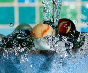 Zimmerbrunnen, Glas Brunnen, Murmeln, Wasserspiel