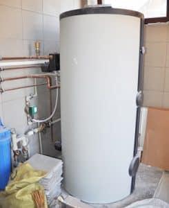 Warmwasserspeicher • effizient und platzsparend als Kombigerät