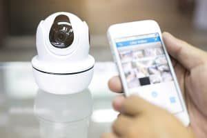 Eine Kamera verbessert Ihr Sicherheitsgefühl in Ihrem Zuhause.