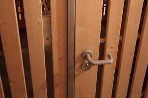 Tipp zum Bau erklärt Ihnen wie sie durch Kellertrennwände Ihr Keller-Abteil schützen.