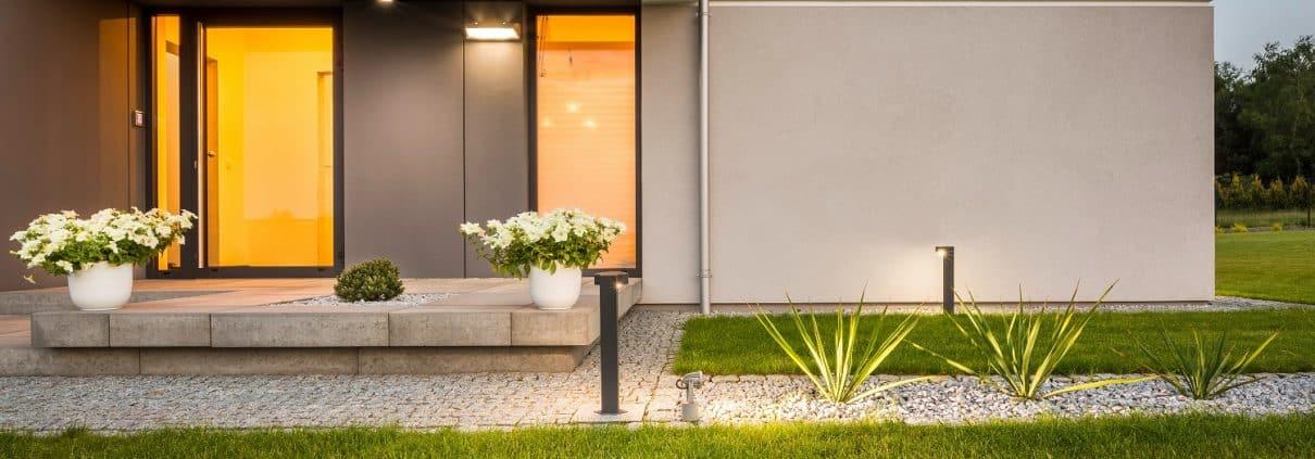 Bei Tipp zum Bau erfahren Sie, wie Sie eine Beleuchtung in Ihr Glasvordach integrieren.