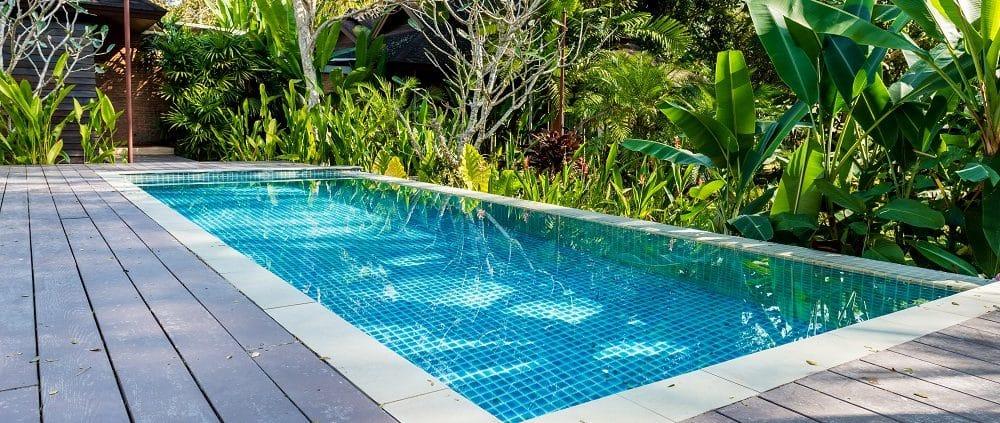 Ein Pool im Garten ist für viele ein Traum. Tipp zum Bau zeigt, wie Sie sich diesen Traum erfüllen.