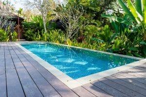 Erfahren Sie bei Tipp zum Bau die Merkmale eines Gartenteichs mit Schwimmfunktion.