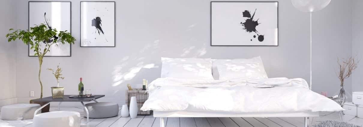 Die Inneneinrichtung für Ihr Schlafzimmer, schlicht, modern und ganz in weiß. Lassen Sie sich von Tipp zum Bau inspirieren.