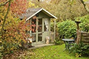 Tipp zum Bau informiert Sie über die Dachentwässerung Ihres Gartenhauses.