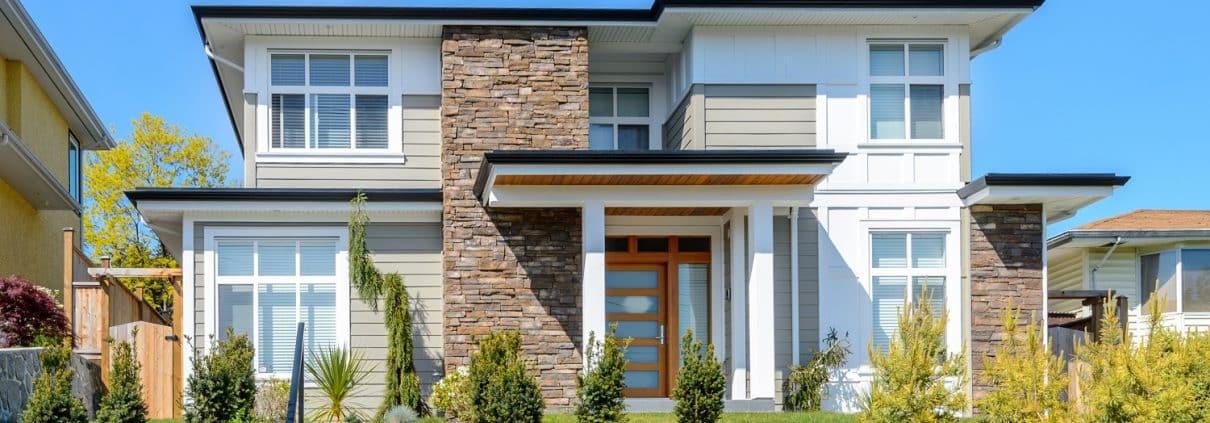 Bei Tipp zum Bau finden Sie moderne Architektur für Häuser mit Flachdach.