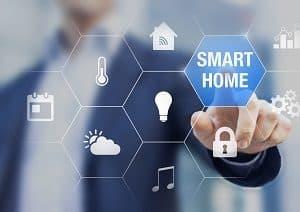 Smart Homes steuern beim energieeffizienten Bauen ihre Haushaltsgeräte möglichst geschickt, um Energie zu sparen.