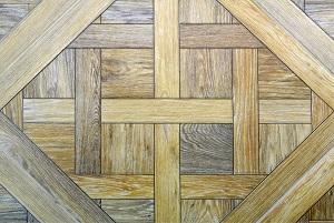 Tipp zum Bau zeigt Ihnen die Verlegung Ihres Bodenbelags in ausgefallenen Mustern.