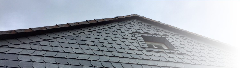 Ein Schieferdach ist eine spezielle Dachart. Auf Tipp zum Bau, dem Bauportal, erfahren Sie alles über Dächer was Sie wissen müssen.
