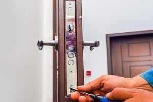 Tipp zum Bau informiert Sie über die Wartung von Türen.