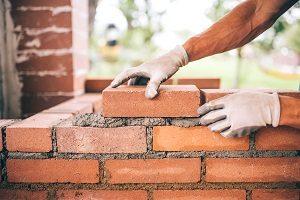 Für Ihr Massivhaus stehen Ihnen verschiedenste Materialien zur Auswahl. Finden Sie mit Tipp zum Bau das beste.