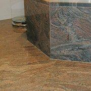 Natursteinböden setzen tolle Akzente in Ihr Haus. Bei Tipp zum Bau finden Sie raus, welcher Steinboden für Sie der beste ist.