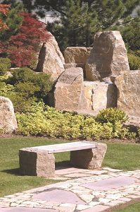 Tipp zum Bau verrät Ihnen mehr zu Gartenmöbeln aus Granit.