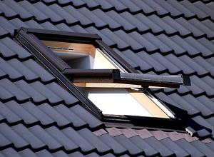 Lesen bei Tipp zum Bau über offene Fenster als Schwachstelle des Schallschutzes Ihrer Wand.