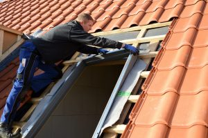 Mit Tipp zum Bau erfahren Sie alles Wissenswerte über Dachlukenfenster auf Ihrem Warmdach.