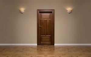Es gibt verschiedene Türsysteme für Ihren begehbaren Kleiderschrank.