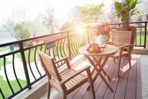 Tipp zum Bau informiert Sie über Gartenmöbel für Ihren Balkon.