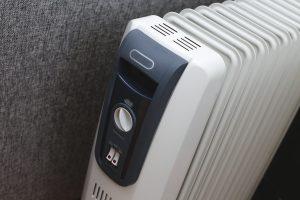 Tipp zu Bau empfiehlt allen, die technikaffin sind, ein smartes Heizkörper-Thermostat.