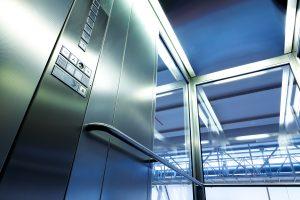 Tipp zum Bau erklärt altersgerechtes Wohnen. Hierzu gehören auch die Möglichkeiten der Höhenüberwindung.
