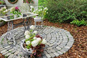 Tipp zum Bau zeigt Ihnen verschiedene Arten von Gartenmöbeln.