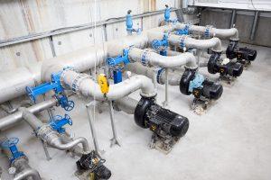 Tipp zum Bau verrät, was Sie beim Abwassersystem zu Ihrer Trinkwasserleitung beachten müssen.
