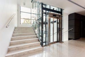 Tipp zum Bau spricht über die Vorteile eines Aufzugs bei der barrierefreien Sanierung.