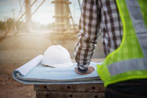 Tipp zum Bau zeigt eine Übersicht zu Vorschriften und Regeln am Bau. Lesen Sie hier, wie Sie sich bei der Arbeit schützen.