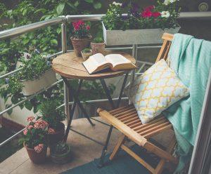 Es ist auch möglich, sich beim französischen Balkon auf einer kleinen Austrittsfläche einzurichten. Bei Tipp zum Bau erfahren Sie, wie das geht.