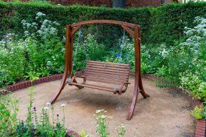 Tipp zum Bau informiert Sie über unterschiedliche Gartenmöbel.