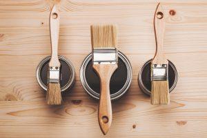Die notwendigen Werkzeuge für das Arbeiten mit Flüssigkunststoff zeigt Ihnen Tipp zum Bau.