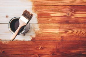Tipp zum Bau gibt Ihnen eine Anleitung zur Montage Ihres Sichtschutzes aus Holz.