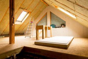 Erfahren Sie bei Tipp zum Bau, wie Sie den Dachboden Ihres Altbaus zeitgemäß herrichten.