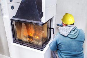 Tipp zum Bau klärt auf, auf was Sie bei der eigenständigen Installation von Kaminen bestenfalls achten.