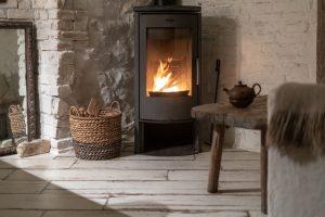Tipp zum Bau erklärt Ihnen den Unterschied zwischen Kamin, Ofen und Kaminofen.