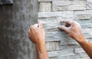 Wie Naturstein als Küchen Wandfliese aussieht, erfahren Sie bei Tipp zum Bau.