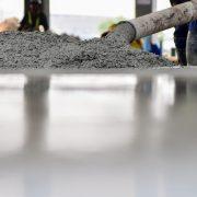 Die Betonverlegung erklärt auf Tipp zum Bau.