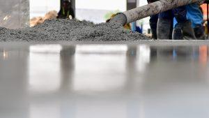Die Betonverlegung für Ihr Fundament erklärt auf Tipp zum Bau.