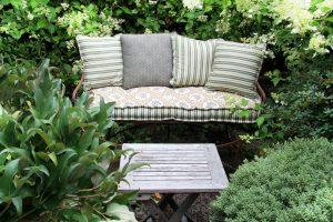 Tipp zum Bau zeigt Ihnen die neuesten Trends bei Gartenmöbeln.