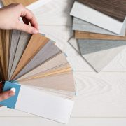 Verschiedene Texturen für Ihren Vinylboden finden Sie auf Tipp zum Bau.